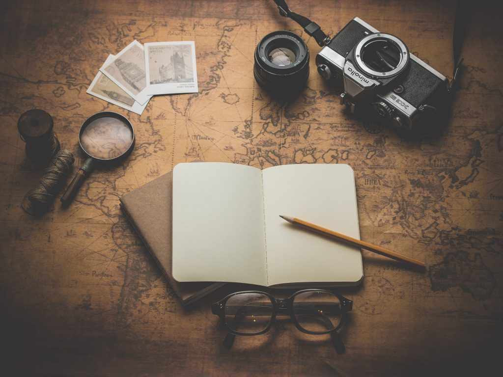 https://unsplash.com/search/travel?photo=3OiYMgDKJ6k how to become a travel blogger and make money