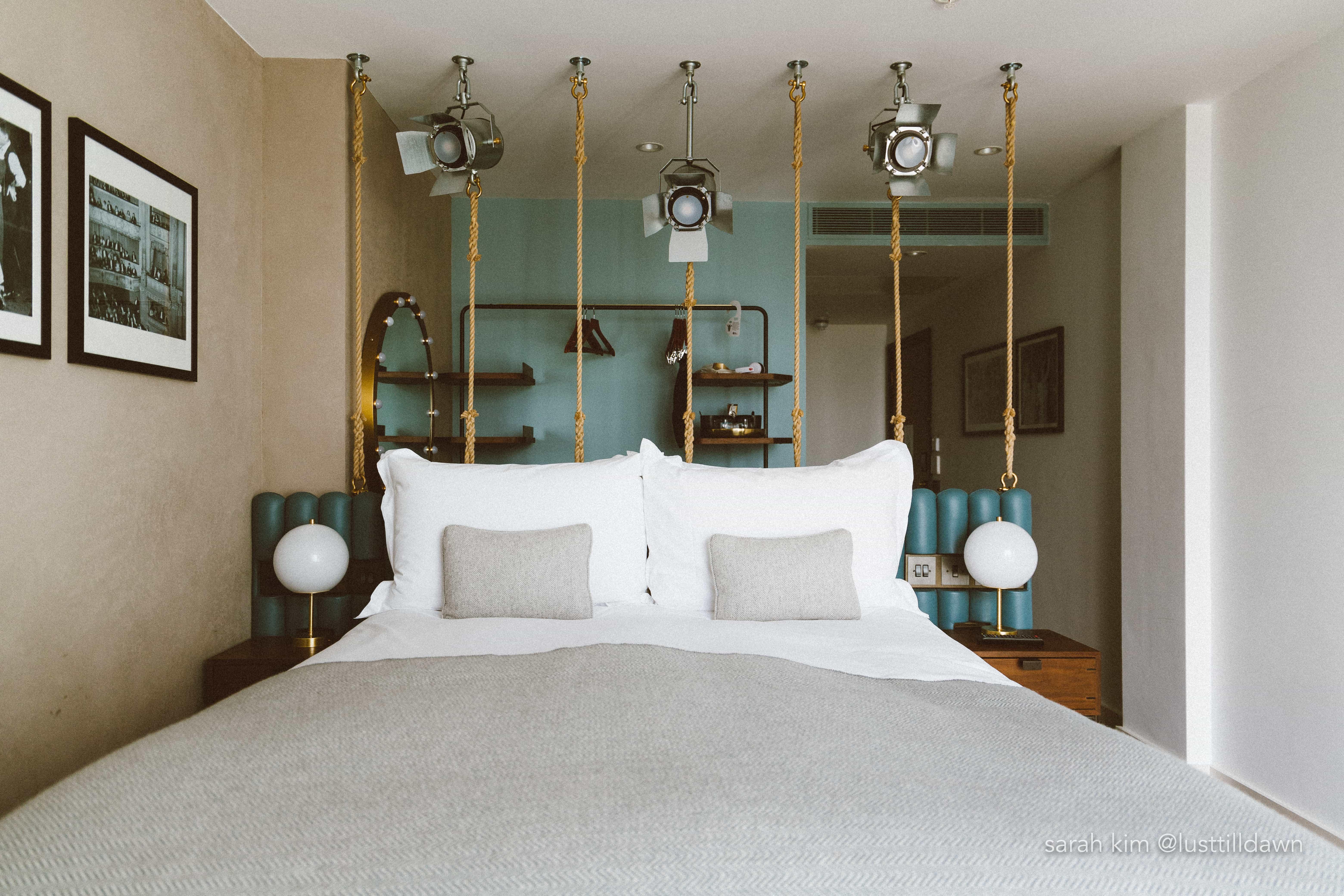 hotel indigo leicester square bed room