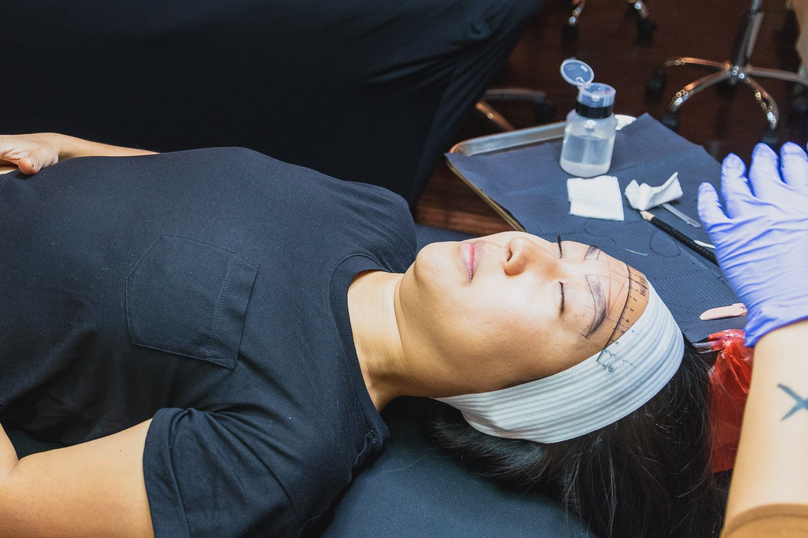 Lifestyle blogger, Sarah Kim, of Lust 'Till Dawn gets microblading in NYC by SIX+AIT microblading artist, Peaches.