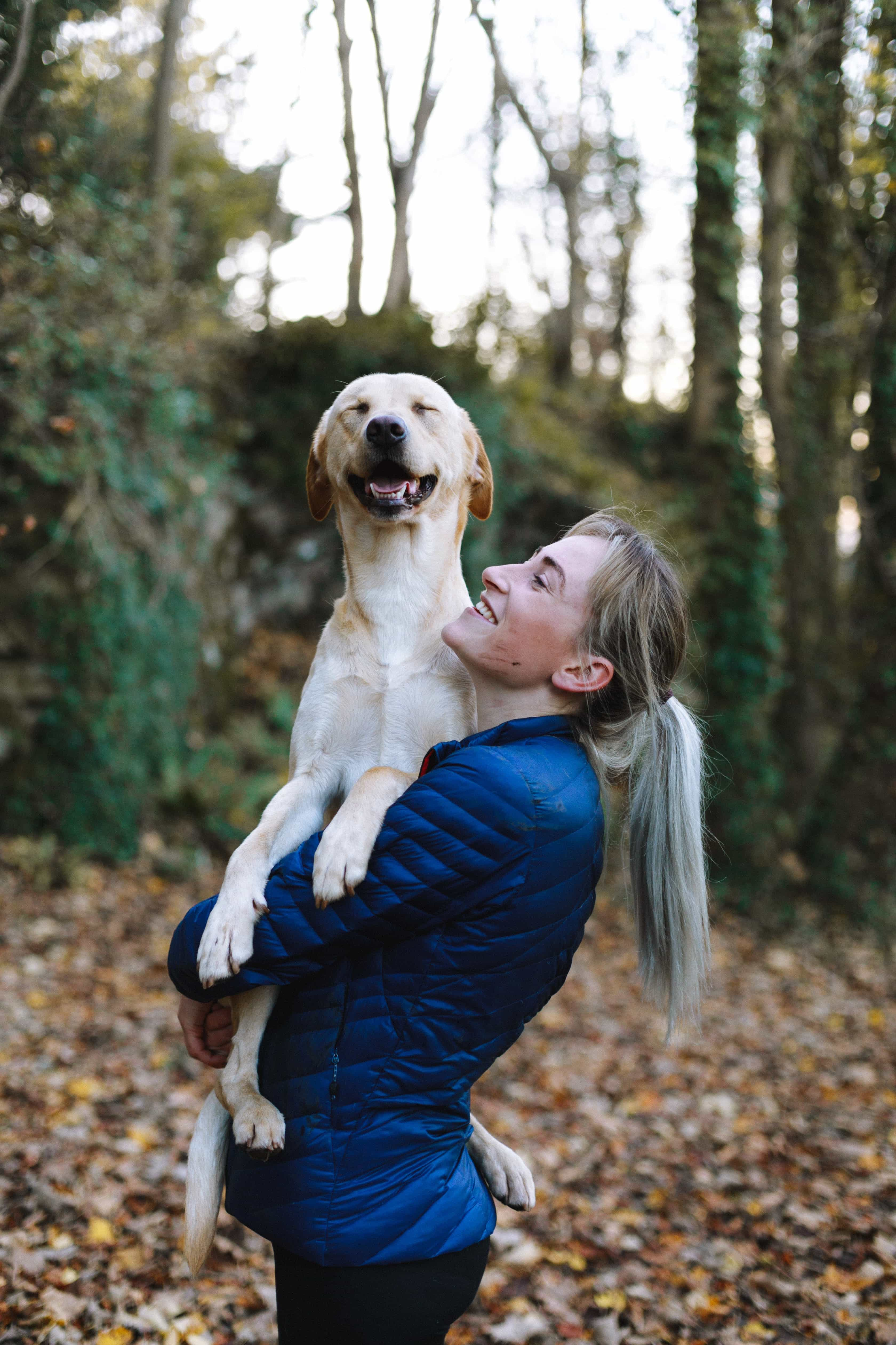Travel blogger Sarah Kim of Lust 'Till Dawn shares the best way to find trustworthy dog sitters that stay at your home while you travel. |  Here is a photo of a dog sitter and your puppy.