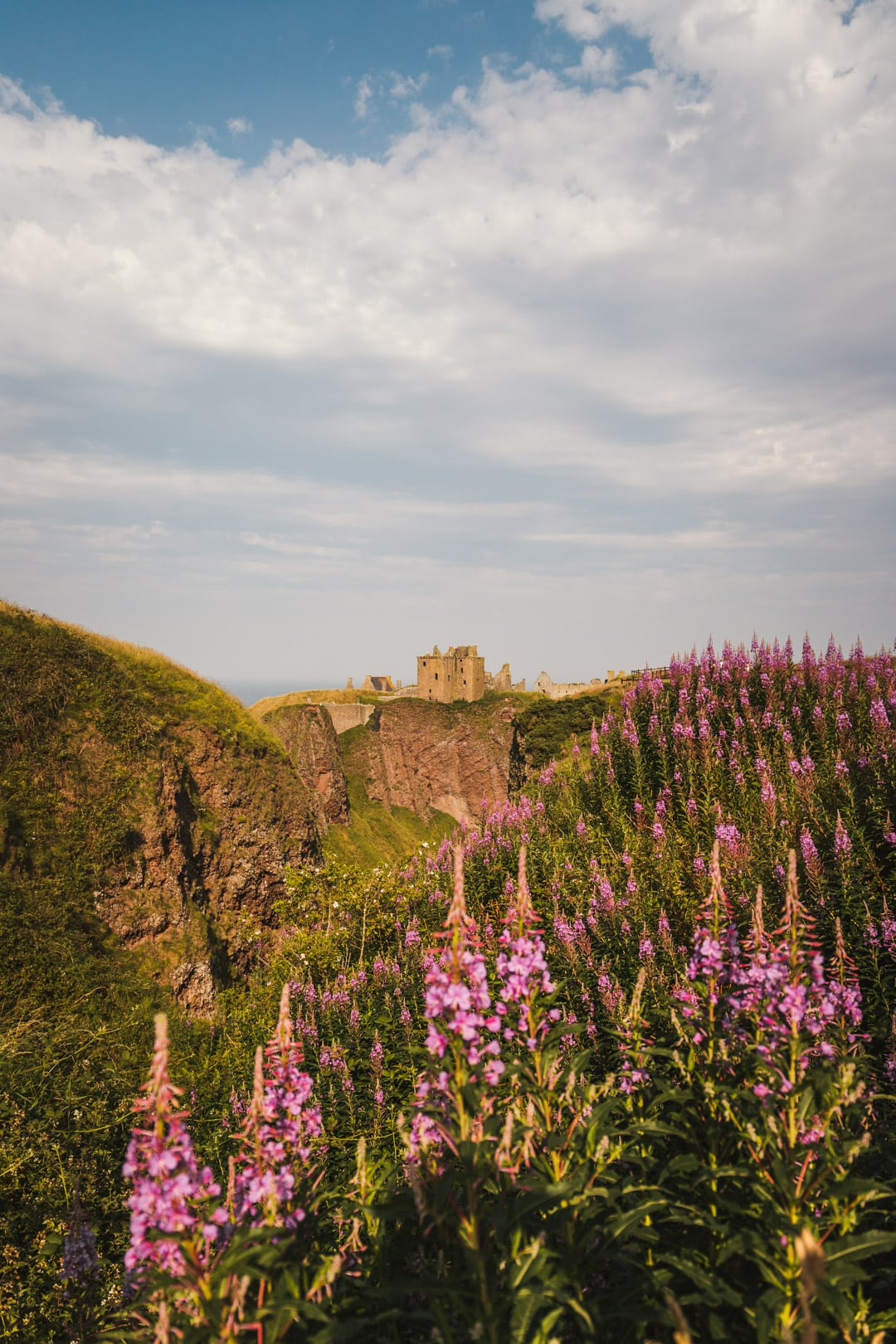 dunnottar castle in scotland united kingdom, instagrammable places in scotland