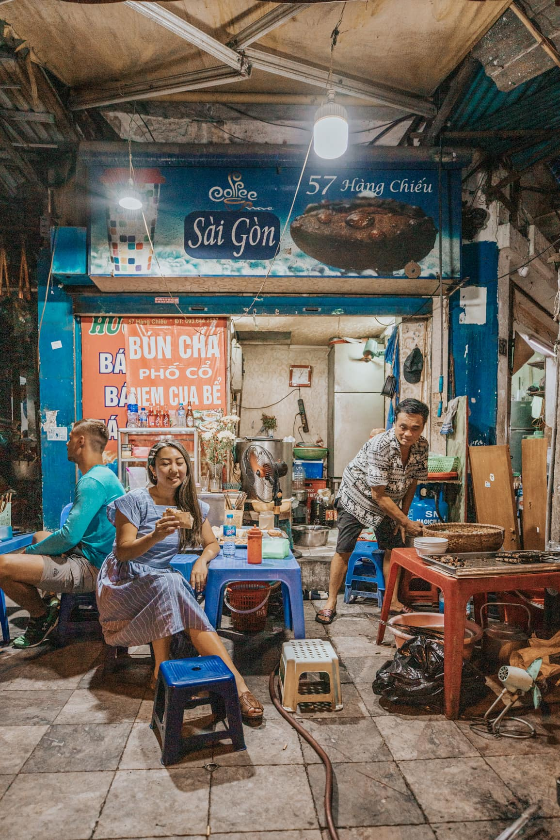 eating street food in hanoi | vietnam travel tips