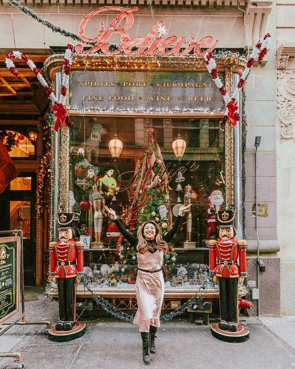 christmas photo spot at lillie's victorian establishment