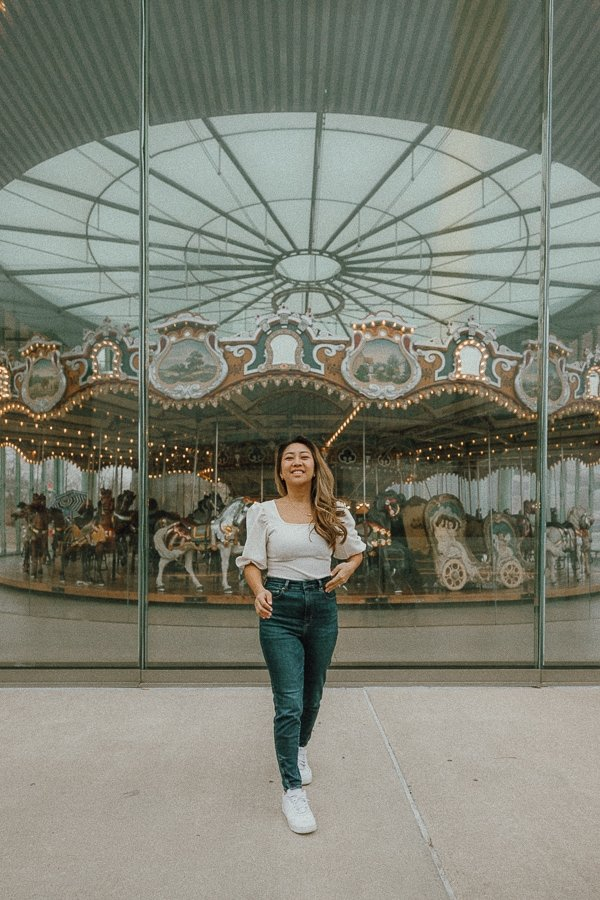 DUMBO jane's carousel, an instagrammable place in Brooklyn